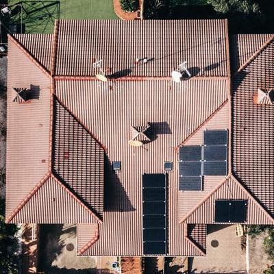 Instalación fotovoltaica 4.2 kWp en tejado.