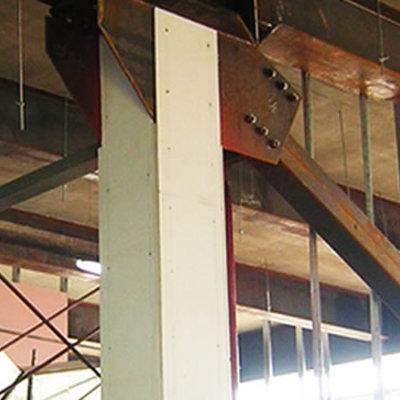 Protección de estructuras metálicas con placas de Pladur RF