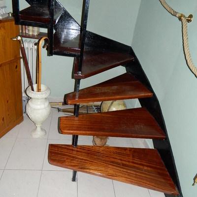pletinas de escalera barnizadas
