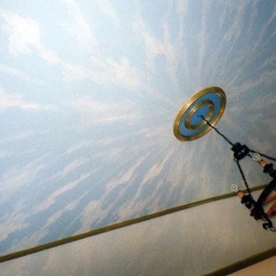 Policromía techo motivos alegóricos de ángeles y cielo.