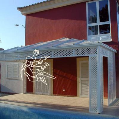 porche blanco de aluminio