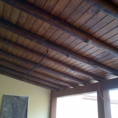 porche de madera tratada