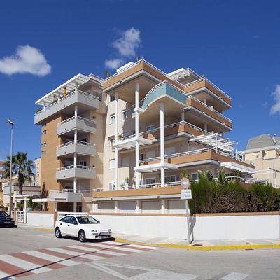 Proyecto de 14 apartamentos en playa de Oliva