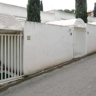 Proyecto de construcción de porches de entrada en urbanización privada - antes