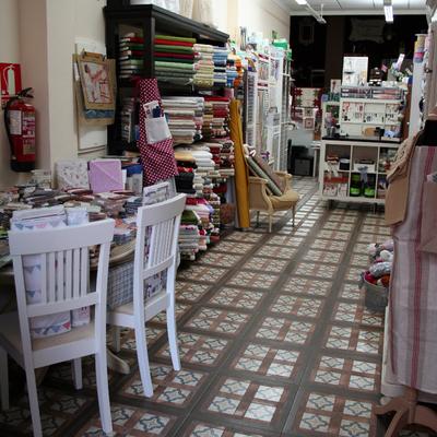 Ideas y fotos de locales comerciales de estilo vintage en - Mercerias en alicante ...