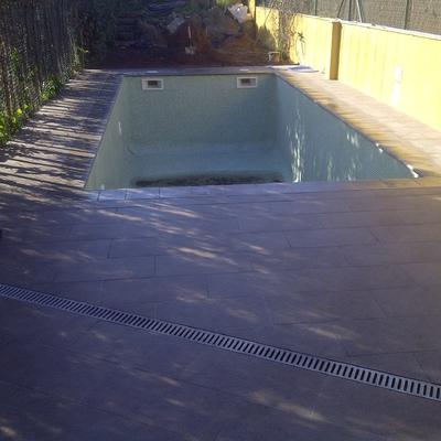 Proyecto y dirección de piscina en casa aparejada