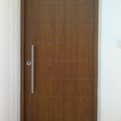 Puerta acorazada kiuso elegant interior puerta acorazada for Puertas blindadas precios