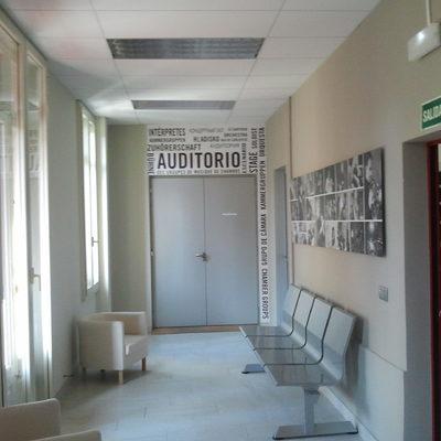 Puerta acústica de madera doble