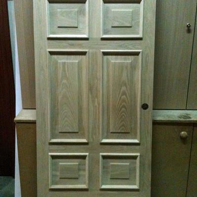Puerta artesanal