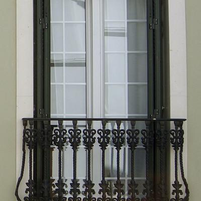 Puerta balconera