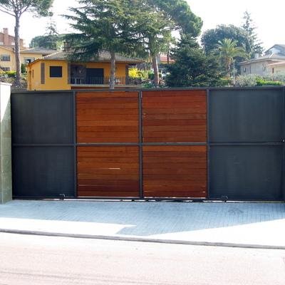 puerta corredera metal-madera.