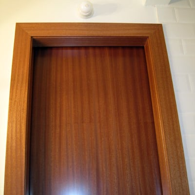 Puerta corredera para baño