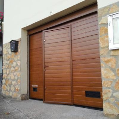 Instalar puerta garaje varios materiales algaida illes for Puerta garaje metalica