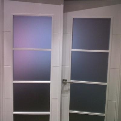 puerta de paso de salom con cristales en blanco lacado