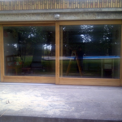 Puertas pvc exterior imitacion madera elegant puerta de for Puerta corredera exterior jardin