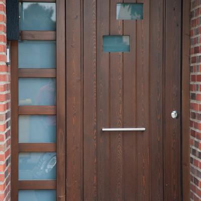 Ideas y fotos de ventanas y puertas de estilo r stico en - Puertas madera exterior ...