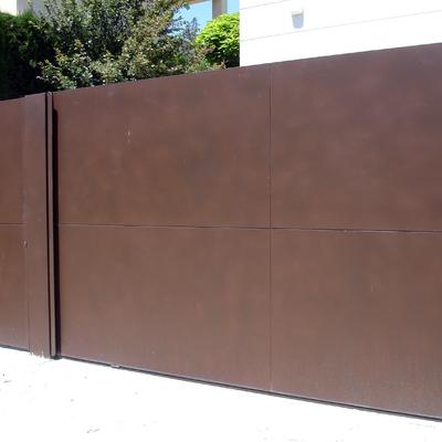 Puerta garaje mecanizada.