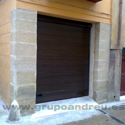 Puerta garaje seccionable
