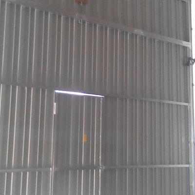 Puerta industrial elevable