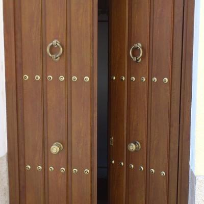 Puerta para vivienda.