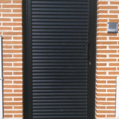 puerta peatonal lama heliptica
