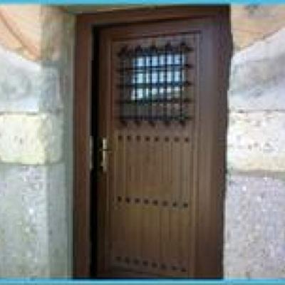 Puerta Rútica