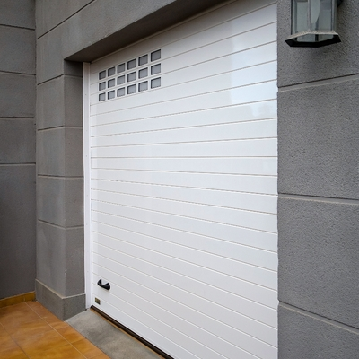 Puerta Seccional de aluminio