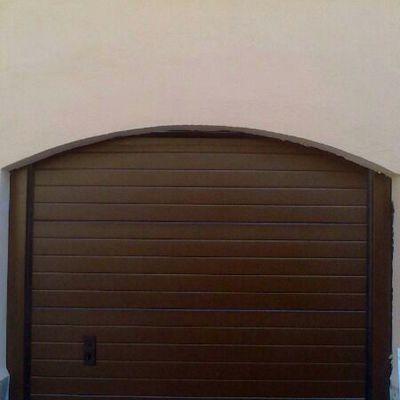 Puerta seccional en panel 80 mm de espesor