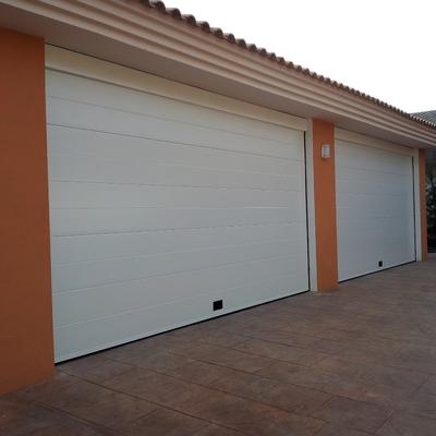 Puerta seccional Mod. Liso