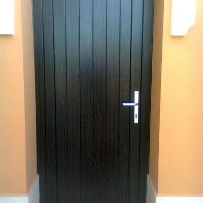 Puerta secundaria
