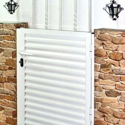 puerta y verja