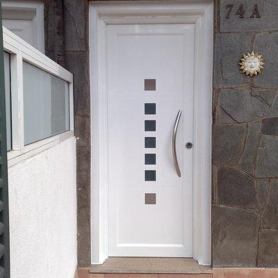 Ideas y fotos de carpinter a aluminio en barcelona para for Fotos de puertas metalicas modernas