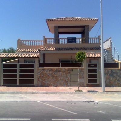 Presupuesto vallas exterior online habitissimo for Puertas chalet exterior