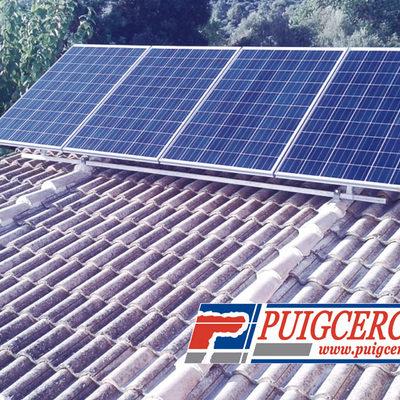 Instalación de paneles solares en vivienda unifamiliar
