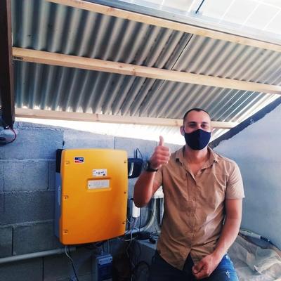 Instalación fotovoltaica-eólica aislada