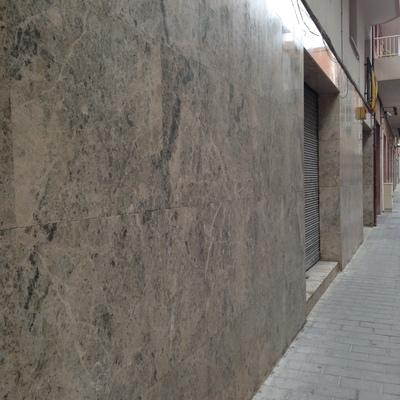 Pulido y reparación de màrmol en fachadas
