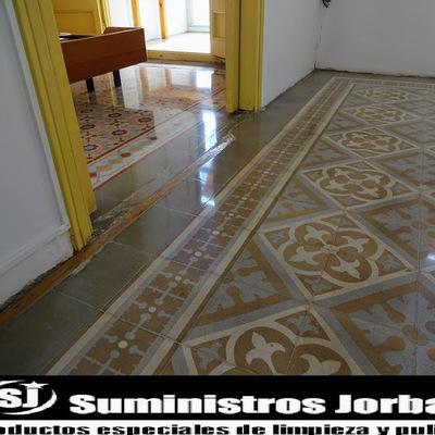 Restauración pulido y cristalizado de pavimento modernista.
