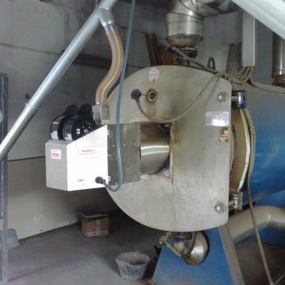 Quemador de biomasa en caldera de aceite a 200º