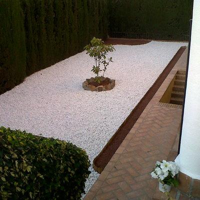 Realización de jardines de bajo mantenimiento