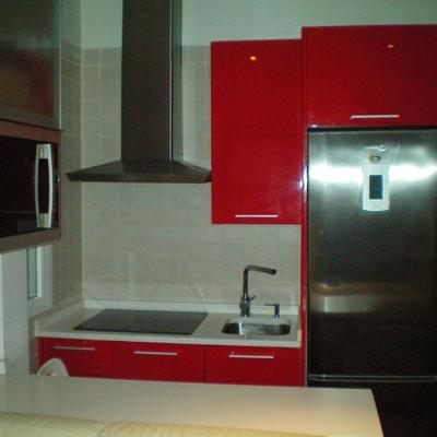 Reforma de apartamentos: cocina moderna americana
