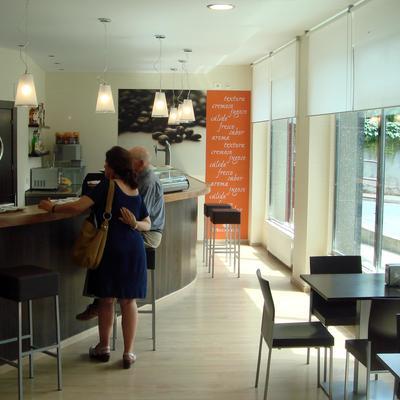 Reforma de cafetería en Clínica Virgen Blanca Bilbao