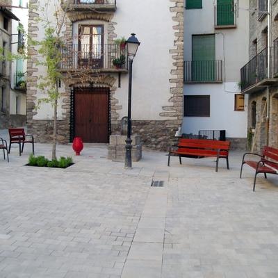 Reforma de calles peatonales y plazas .