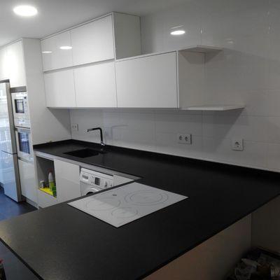 Mobiliario de cocina,en cristal alto brillo