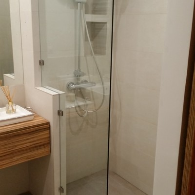 Reforma baño con ducha de obra