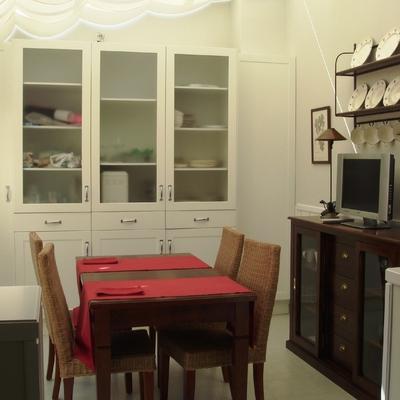 Reforma y decoración integral de cocina con office