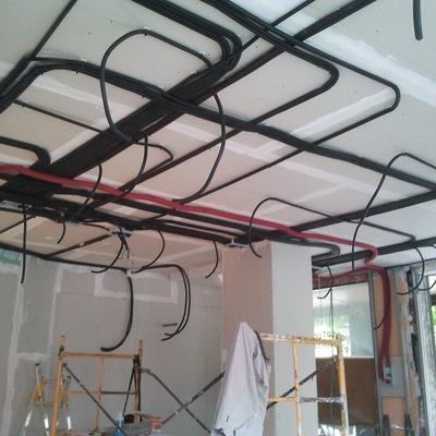 Colocación de tubos para cableado