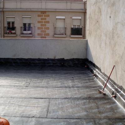 Rehabilitación cubierta, petos y patios.