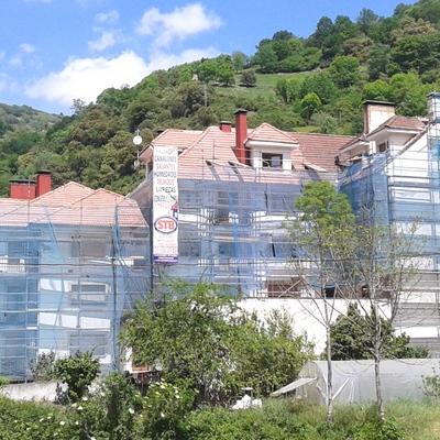Rehabilitación integral de fachada y cubierta en Plaza Pío XII - Belmonte de Miranda