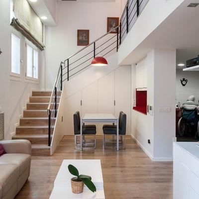 02-Rehabilitación integral de un espacio comercial transformado en vivienda