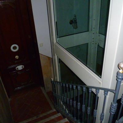 Rehabilitamos su edificio con un nuevo ascensor.